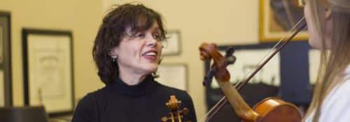 Melissa Knecht teaches a student