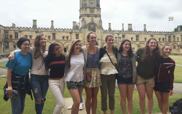 High School Study Abroad, England group photo.