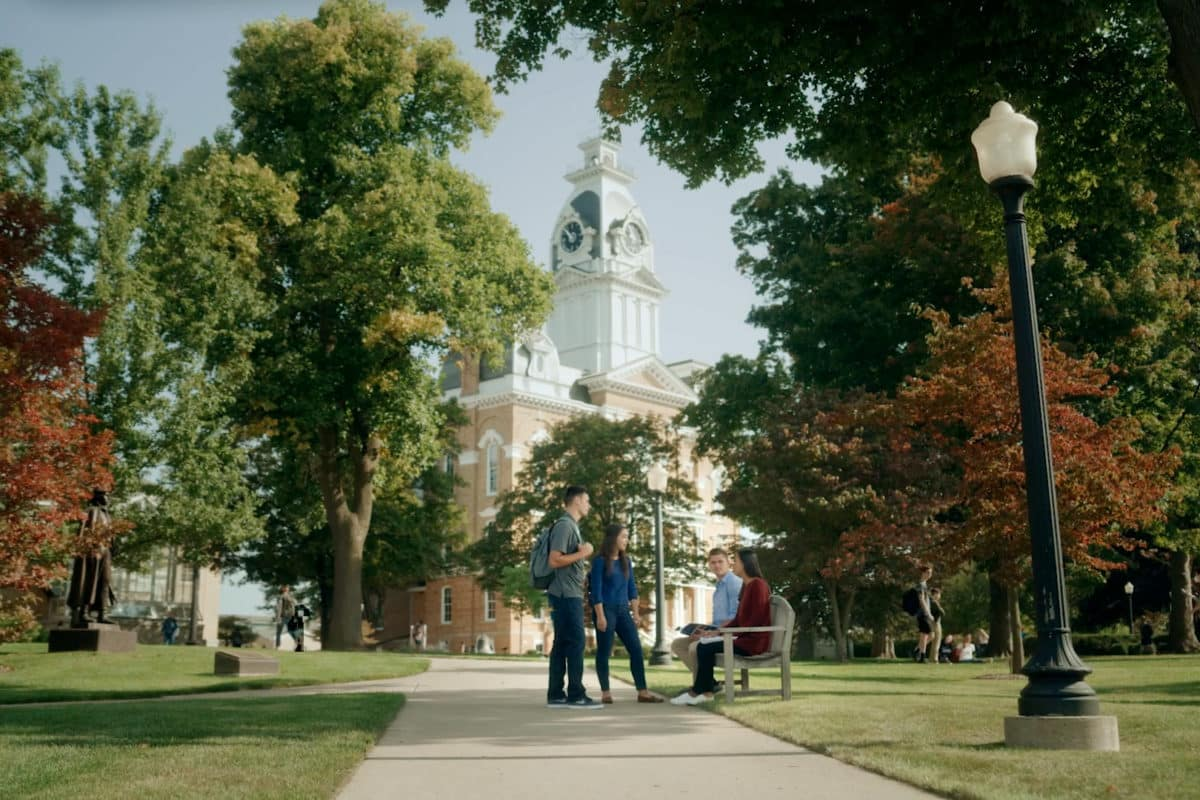 Hillsdale College What College Is Meant To Be